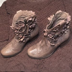 Botanical booties brown pink Anthropology brand